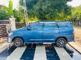 Photo Toyota Innova 2.5 vx 8 str