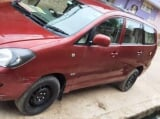 Photo Toyota Innova 2.5 G Diesel 8 Seater BS IV